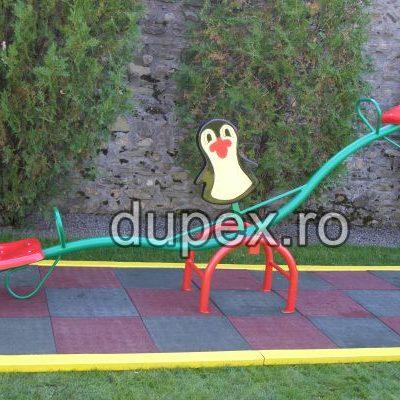 Balansoar doua persoane metal cu Figurina Pinguin B.02.03 Dupex
